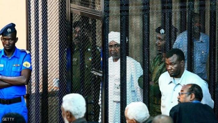 خلال خامس جلسة محاكمة.. القضاء السوداني يرفض إعادة استجواب البشير