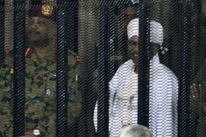 تأجيل محاكمة عمر البشير إلى السبت المقبل