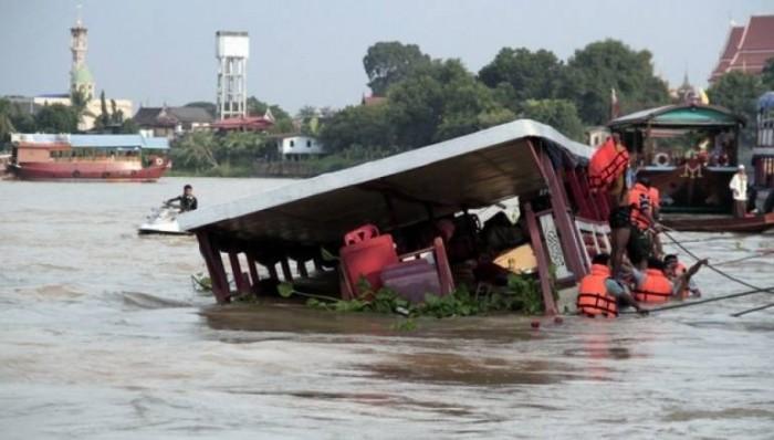 مصرع 12 شخصًا في غرق مركب بنهر جنوب شرقي الهند