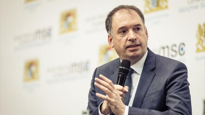 وزير الدولة الألماني يناقش الأزمة اليمنية مع المسؤولين الإماراتيين