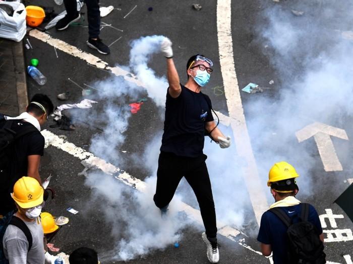 """بفعل الاحتجاجات.. اقتصاد """"هونج كونج"""" في مهب الريح"""