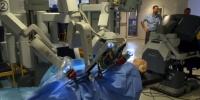 """علماء يستعينون بـ""""الإنسان الألي"""" في إجراء عمليات طبية"""