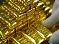 أسعار الذهب ترتفع متأثرة بالهجوم على منشآت نفط أرامكو