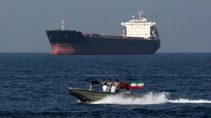 مجددًا.. إيران تحتجز سفينة نفط كانت تتجه إلى الإمارات