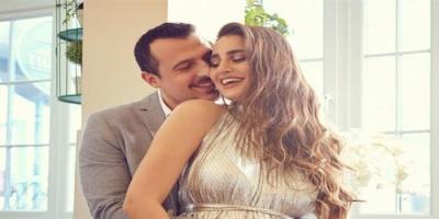 الإعلامية اللبنانية إيميه صياح تعلن عن حملها