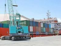 دعماً لأهالي الأرخبيل..سفينة مساعدات إماراتية جديدة تصل إلى سقطرى