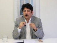 بن فريد يشن هجوما لاذعا على وزير الإعلام اليمني