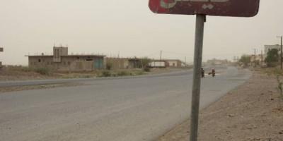 مليشيا الحوثي تستهدف منازل المواطنين في حيس