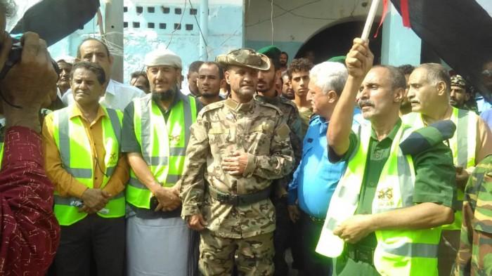 بمشاركة انتقالي التواهي..أمن عدن يدشن حملة منع حمل السلاح (صور)