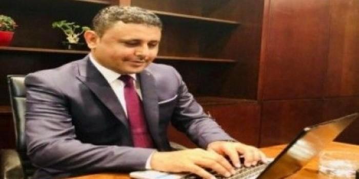 """""""اليافعي"""": هادي سلم الإخوان الجمل بما حمل"""