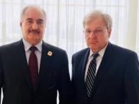 حفتر يلتقي بالسفير الأمريكي لدى ليبيا لمناقشة الأوضاع الراهنة بالمنطقة