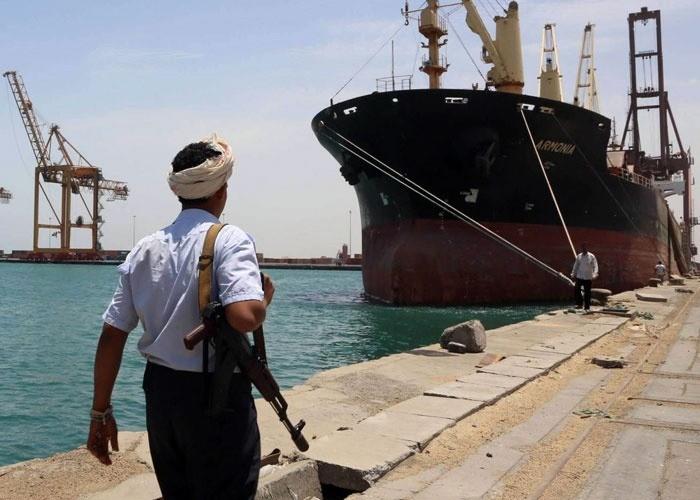 مليشيا الحوثي تدفع بتعزيزات لمناطق مينائي رأس عيسى والصليف