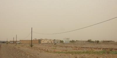 بالقذائف المدفعية.. المليشيات تستهدف مواقع القوات المشتركة في حيس