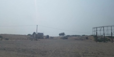 قصف حوثي عنيف على مواقع القوات المشتركة في الدريهمي