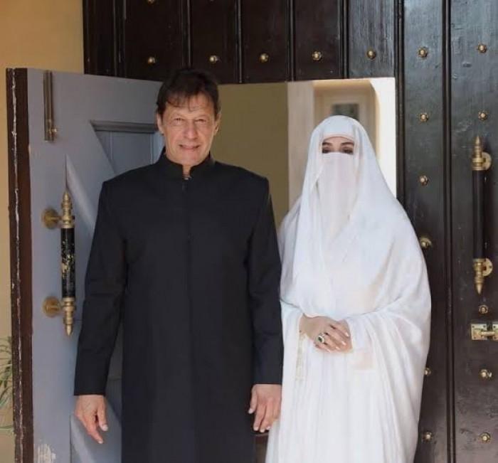 رئيس وزراء باكستان يغادر المدينة المنورة