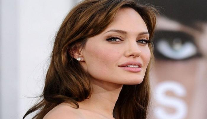 شاهد.. كيف تغيرت ملامح أنجلينا جولي من أجل فيلمها الجديد Eternals؟