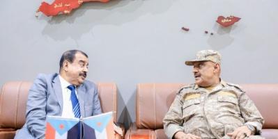 بن بريك يناقش آخر المستجدات في عدن مع قائد المنطقة العسكرية الرابعة