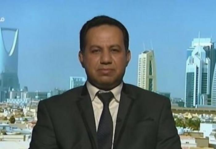 عادل الشبحي يكشف عن طرد موظفين في سفارة اليمن بالرياض