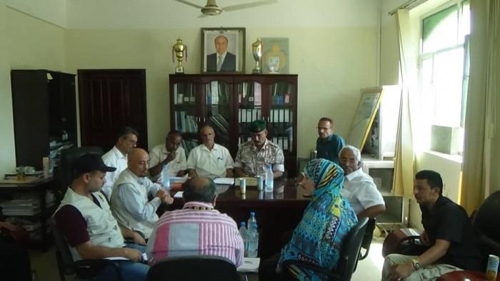 تفاصيل لقاء محافظ الضالع مع فريق منظمة إنقاذ الدولية