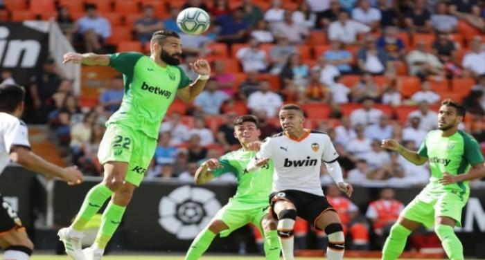 فالنسيا يتعادل مع ليجانيس في الدوري الإسباني