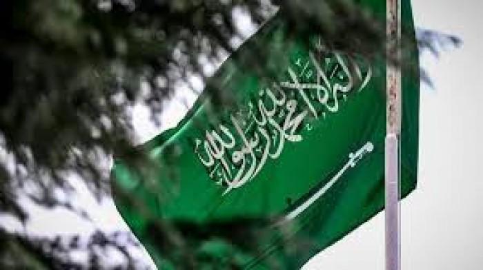 """""""دعم الحوثي"""".. باحث يصفع أعداء السعودية بتغريدة نارية"""
