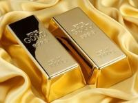تراجع أسعار الذهب وسط ترقب المستثمرين لمحادثات التجارية بين أمريكا والصين