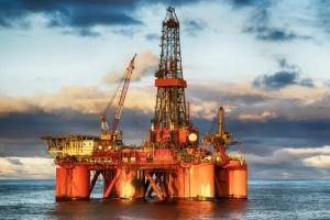ارتفاع أسعار النفط وسط قلق بشأن استئناف إمدادات الخام السعودي بالكامل