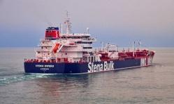 إيران تُفرج عن ناقلة النفط البريطانية المحتجزة منذ شهرين
