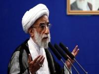 رئيس مجلس خبراء القيادة بإيران: كل من يريد التفاوض مع أمريكا جاهل