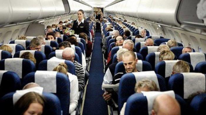 """في لفتة إنسانية.. ركاب آخر رحلة لـ""""توماس كوك"""" يجمعون أموالاً لطاقم الطائرة"""