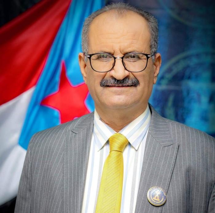 الجعدي: بهذه الطريقة.. تدير الشرعية اليمن