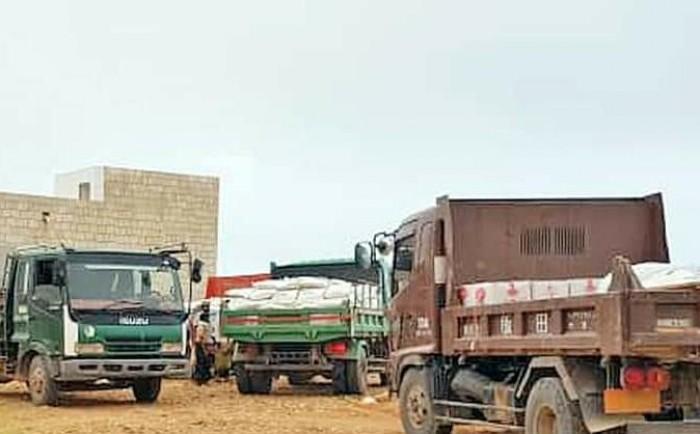 """""""خليفة الإنسانية"""" تواصل  توزيع المساعدات في سقطرى (صور)"""