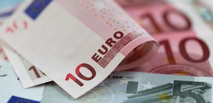 """""""اليورو"""" يترنح بين الهبوط والانتعاش"""