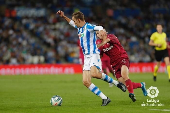 سوسييداد يقسو على ألافيس بثلاثية ويرتقي لوصافة الدوري الإسباني