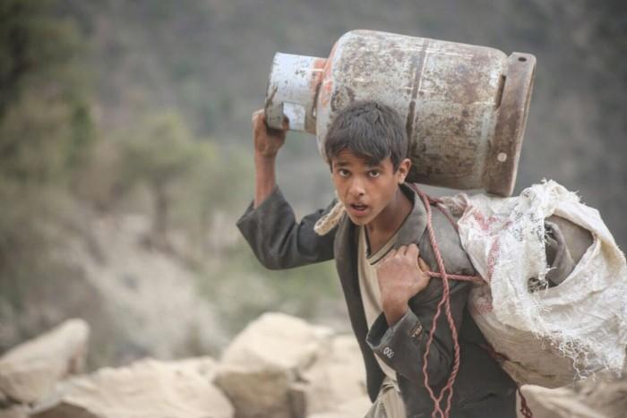 شهودٌ على مأساة صنعاء.. حياة حوثية يملؤها اليأس والبؤس