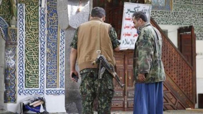سخريةٌ وفشل.. كيف انتهت حملات الحوثي الطائفية في مساجد صنعاء؟