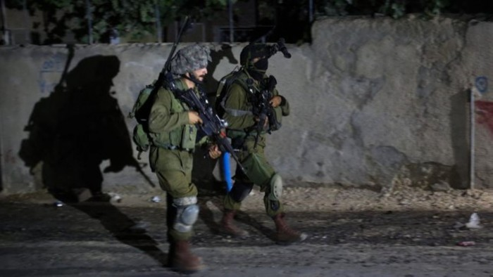 الشاباك الإسرائيلي يعتقل خلية فلسطينية بزعم الإرهاب