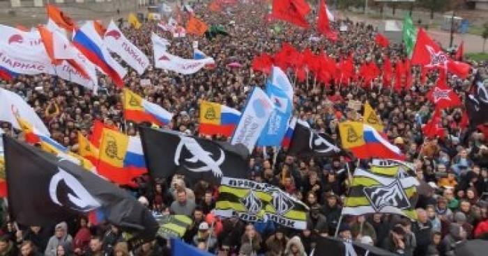 الآلاف يحتشدون في موسكو للمطالبة بالإفراج عن محتجين معتقلين