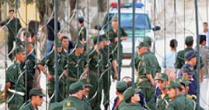 الجيش الجزائري: عثرنا على مخبأ للأسلحة والذخيرة يحتوي على صواريخ