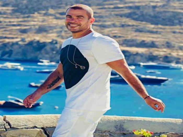 """تأجيل طرح ألبوم عمرو دياب الجديد """"أنا غير"""""""