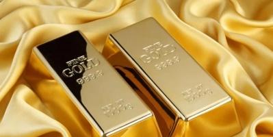 الذهب يتراجع لأدنى مستوى في شهرين