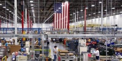 قطاع الصناعات التحويلية الأمريكية ينكمش إلى أدنى مستوى