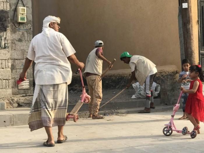 أهالي منطقة صلاح الدين بالبريقة يطلقون حملة نظافة واسعة