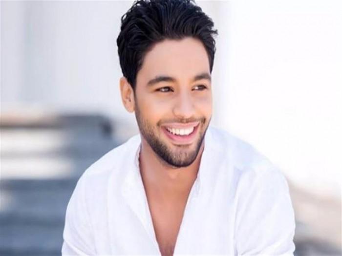 أحمد جمال يترك اسم ألبومه الجديد للجمهور (فيديو)