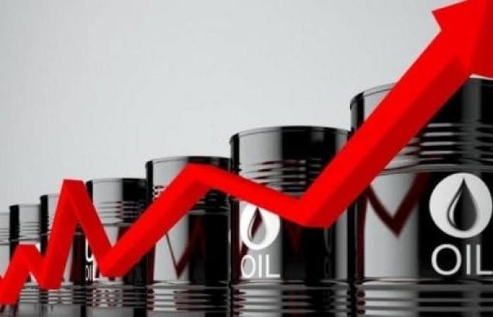 النفط ينتعش عقب هبوط مخزون الخام الأمريكي