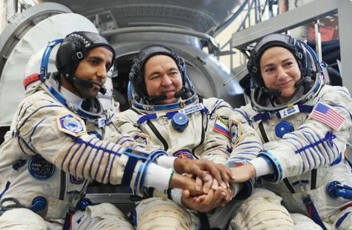 رائد الفضاء الإماراتي ينشر صورة لمكة المكرمة التقطها من الفضاء