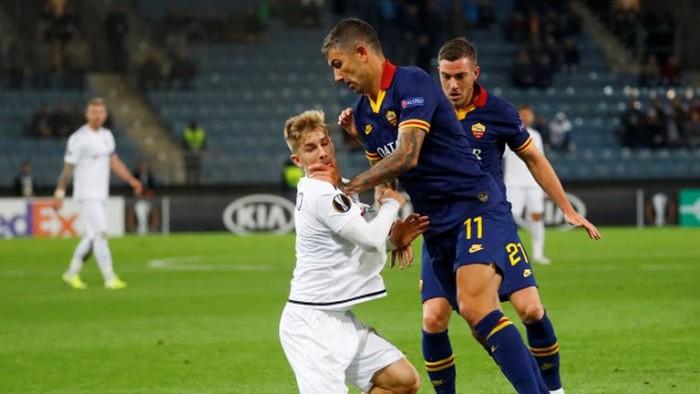 روما يتعادل بهدف مع بطل النمسا في الدوري الأوروبي