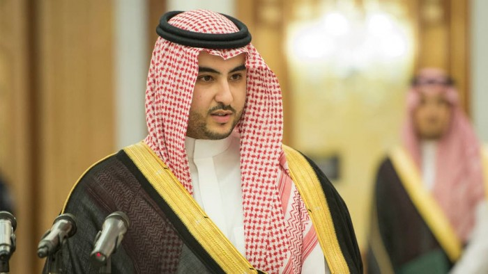 خالد بن سلمان: هكذا يتاجر النظام الإيراني بالشعب اليمني