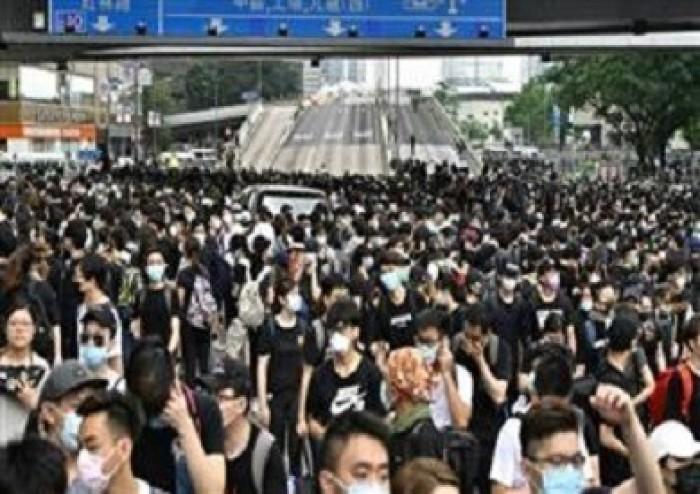 هونج كونج: النظام العام في المدينة يواجه تهديدا خطيرا