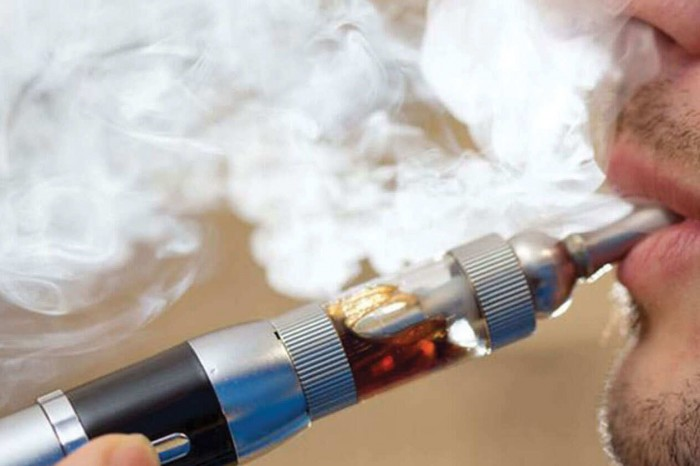 وفاة 18 شخص بسبب تدخين السجائر الإلكترونية في أمريكا